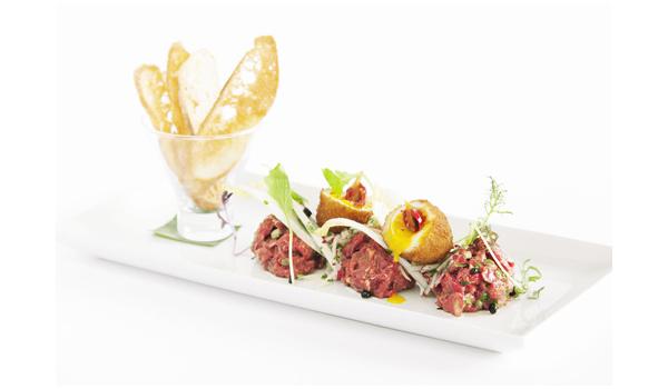 Recette du tartare de boeuf par le chef cuisinier du tandem - Decoration d assiette gastronomique ...